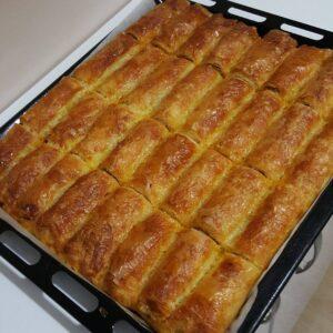 Baklava Yufkasıyla Kıymalı Patatesli Börek