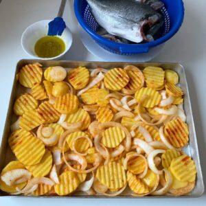 Fırında Sebzeli Cupra Balığı