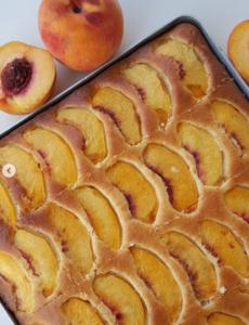 Şeftalili Tarçınlı Kek Tarifi